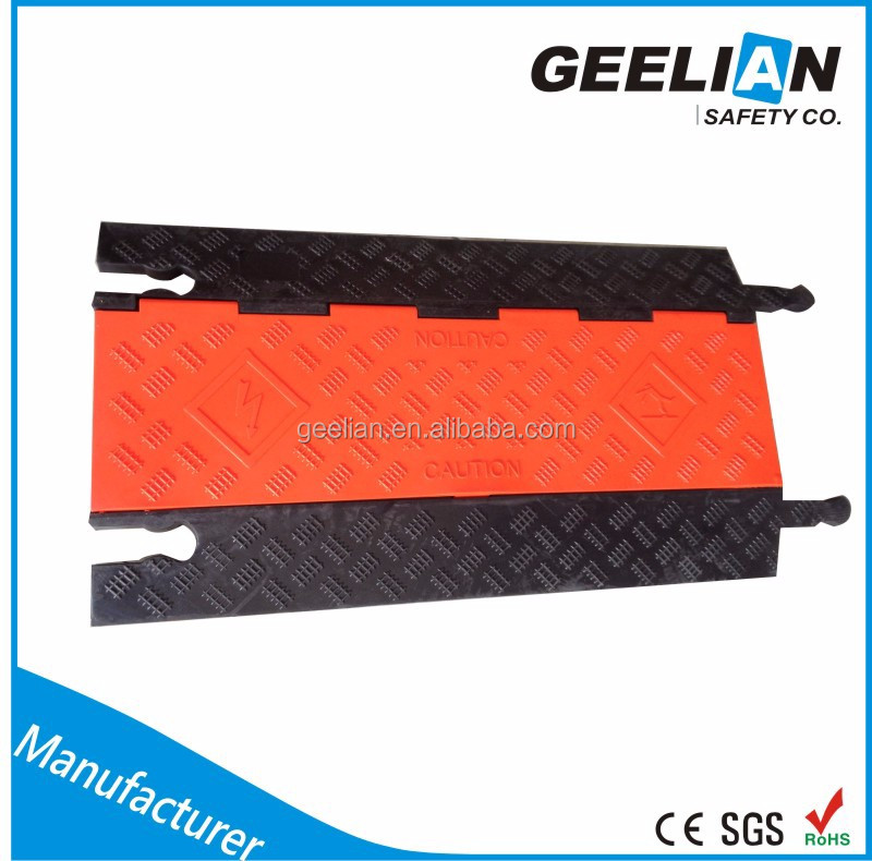 Rubber road speed hump rubber cable protector hump road safety rubber speed breaker