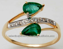 light weight emerald gold ring designer jewellery with twin gemstone emerald for wholesale