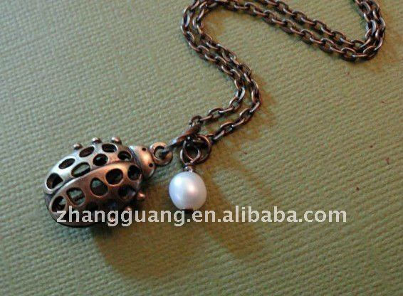 Lady bug charm necklace with fresh water pearl. Antique brass, 3D charm, Simple jewelry. Insect charm