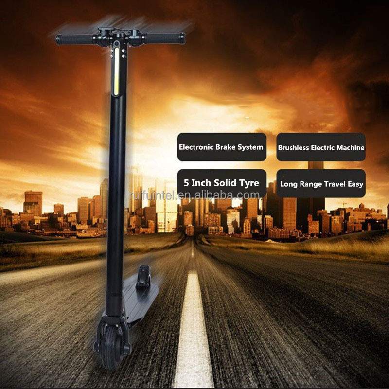 Cheap Price Carbon Fiber Electric Scooter Easy to Fold Fashion Design