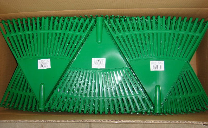 LR002 FIBREGLASS HANDLE RAKE