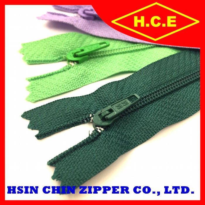 YKK quality low price nylon zipper with custom color and size