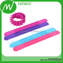 New Style Silicone Clap Bracelets Snap On Bands