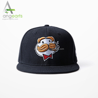 2016 OEM Customized 3D Embroidery 6 Panels snapback hat and Animal logo Sports Cap