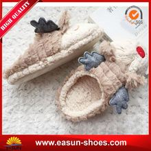 Warm winter indoor Fuzzy slip on shoes Designed house slippers