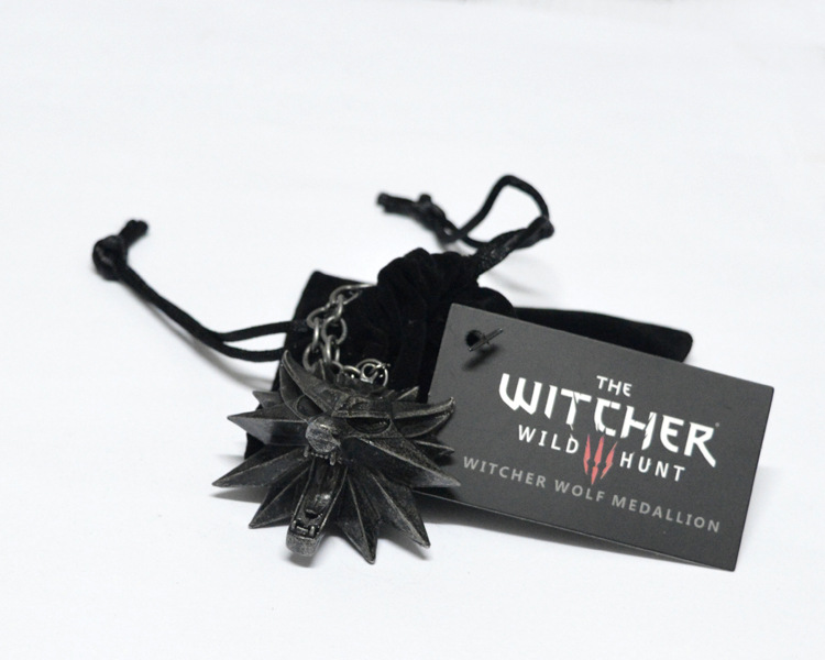 The Witcher 3 Wild Hunt Medallion Pendant and Chain <strong>Necklace</strong>