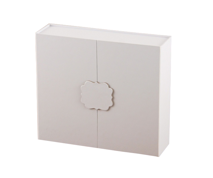 China Manufacturer Supplier Packaging White Jewelry Box Customized