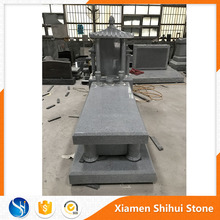 Light Gray Chinese Style Granite Tombstone