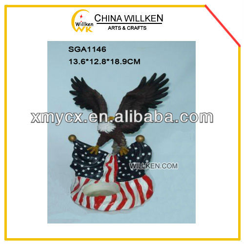 Hot-Selling Polyresin Eagle Statue with American Flag