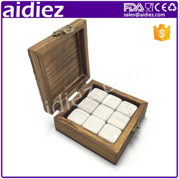 Eco-Friendly Whisky Cooler Ice Rocks Granite Whiskey Stones Set