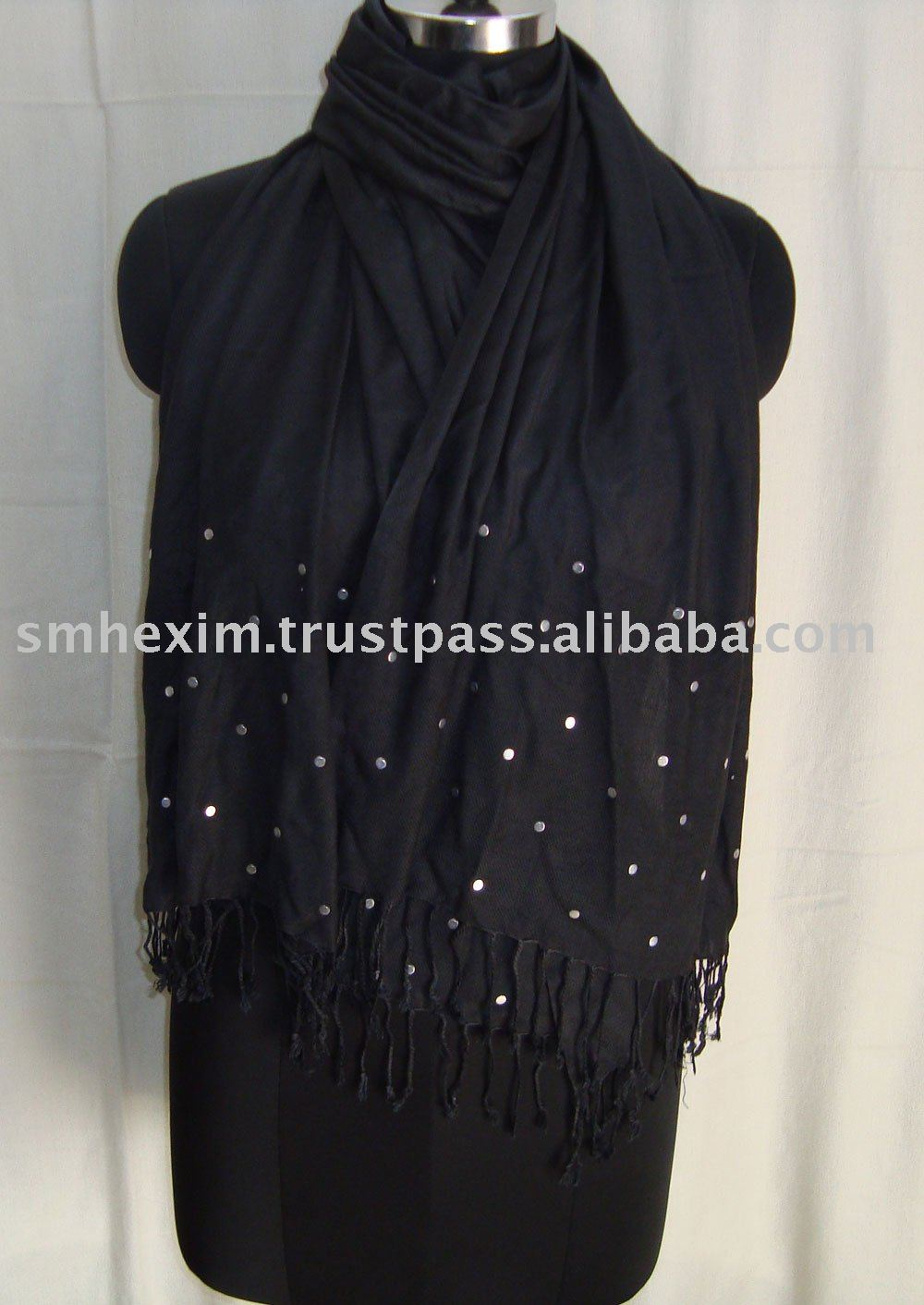 Viscose scarf with Metal Studs 2017