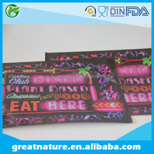 Disposable paper tray liner for restaurant