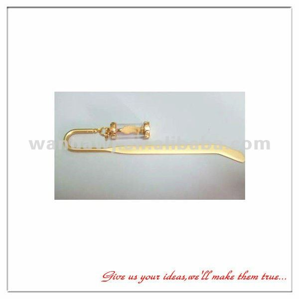 Novelty design in 2012 golden finishing die-casting zinc bookmark