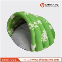 Super Soft Comfortable Wholesale Slipper shaped Pet Bed