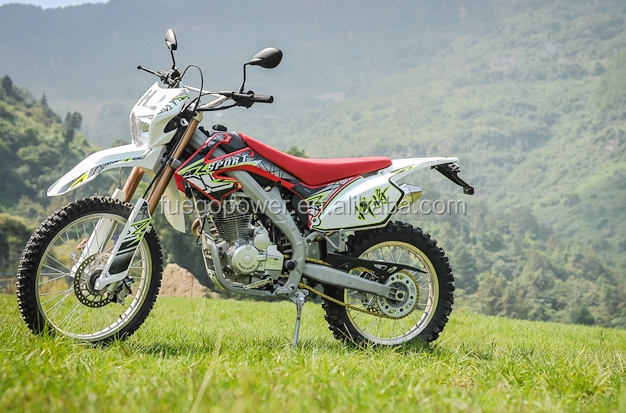 Chongqing new 250cc dirt bike off road motorcycle CRF model, high quality and classic motorcycle,