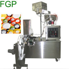 High speed Automatic cap lining machine Induction cap seal wads gaskets inserting cap packing machine