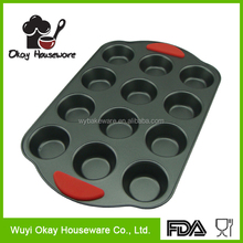 12 Cups good quality muffin pan, baking cake pan with silicone handle BK-D5028