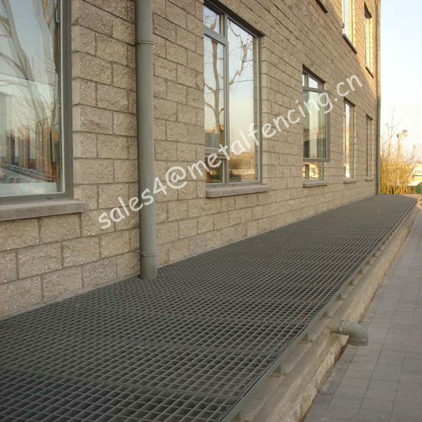swimming pool gutter grating/stainless steel grating with gutter(factory)