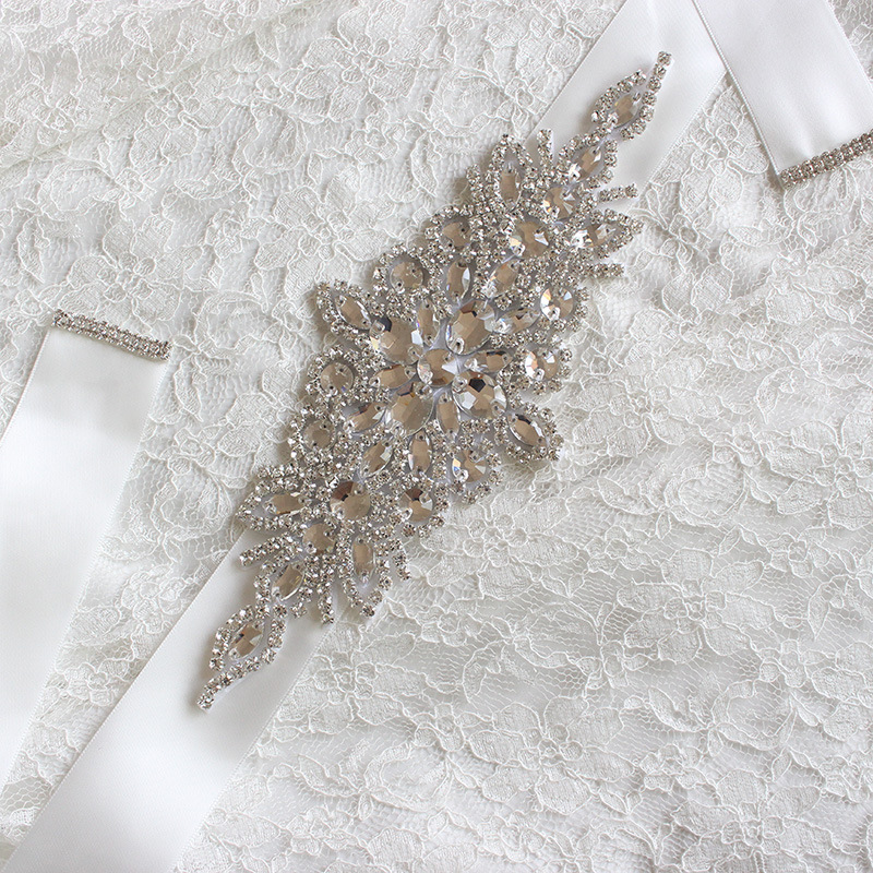 Wholesale Crystal Bridal Sash Wedding Dress Belt Crystal Rhinestone Pearl Applique Silver Beaded Patch Bridal Sash LSBS002