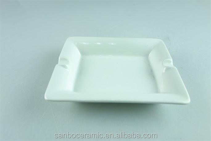 White ceramic / porcelain Rectangular /square custom ceramic ashtray stock for sale