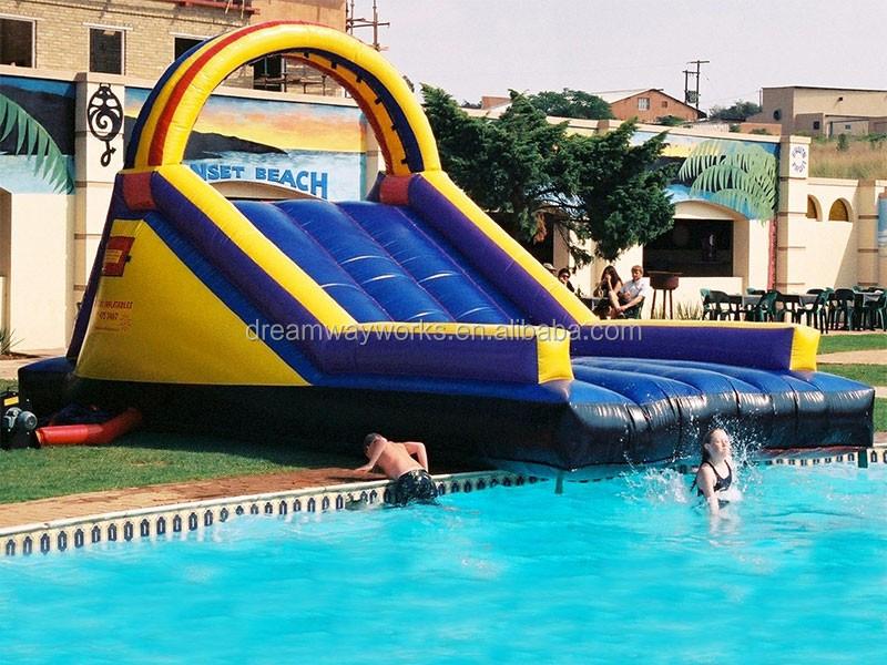 gladiator_inflatables_gladiator_slide.jpg