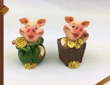 Customized miniature resin figurine big nose piggy kids cartoon animal