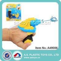 hand held plastic mini wrist water gun