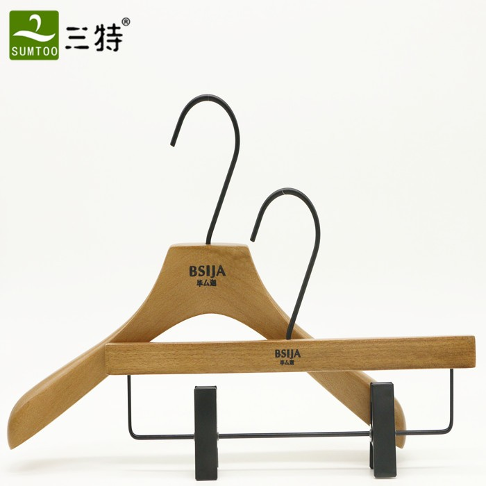 2 piece set custom clothes hanger with black hooks