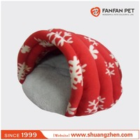 Travel portable pet cat clamshell beds