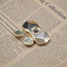 2017 New design wholesale luxurious diamond fidget spinner toy