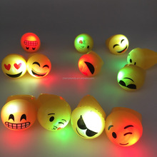 Flashing LED Light Up Emoji Rings Emoticon Rings Party Favors Carnival