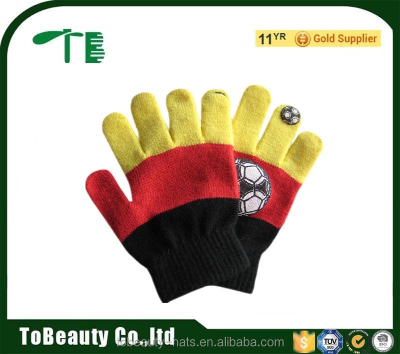 Winter cute kids Acrylic soccer Pattern knit gloves