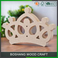 2016 Custom Crown Shape Decoration Wood Crafts
