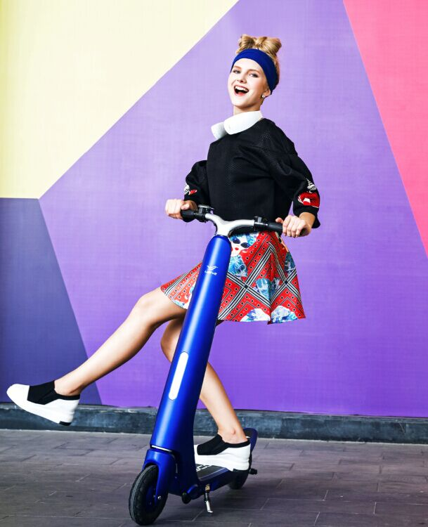 Fashion 24v 8.8ah EVO 2 Wheel Folding Mini Electric Scooter with CE for Adults