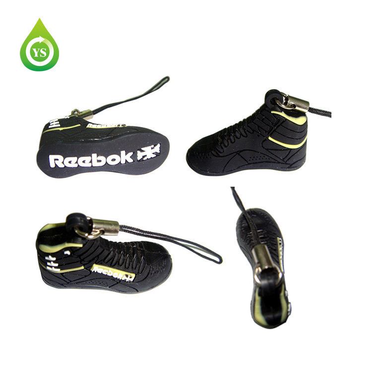 Fútbol diseño de goma PVC teléfono móvil colgante - ANKUX Tech Co., Ltd