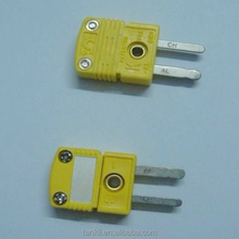 Miniature yellow / green color k type thermocouple connector