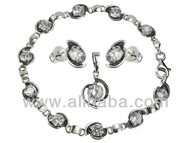 Sterling Silver Jewellery Set Bracelet and Earrings