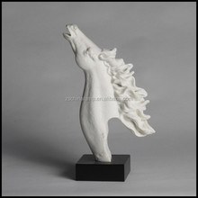Custom Size Resin Rise Horse Head Lucky Craft With White Color For Modern Home Decor And Luxury Furniture Used