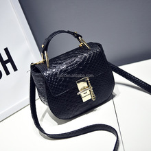 Fashionable woman Newest desin Snake little pig pu leather woman mini handbag