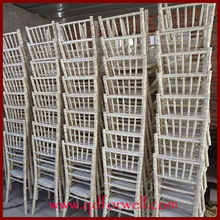 Wholesale Outdoor White Wooden cheap white stackable chivari wedding chair for house/garden