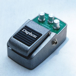 Wuhan Tremolo Effects Pedal for Electric guitar