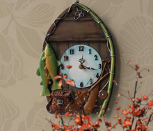 Creative retro resin wall clock for living room
