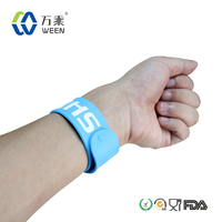 2014 silicone Snap Band on Children's Wrist/silicone slap snap wristband
