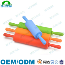 Silicone rolling pin non-stick plastic rolling pin with silicone surface