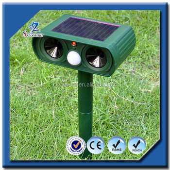 China Manufacture Solar Powered PIR Sensor Flashing Ultrasonic Dog Cat Repeller With Red Led Light