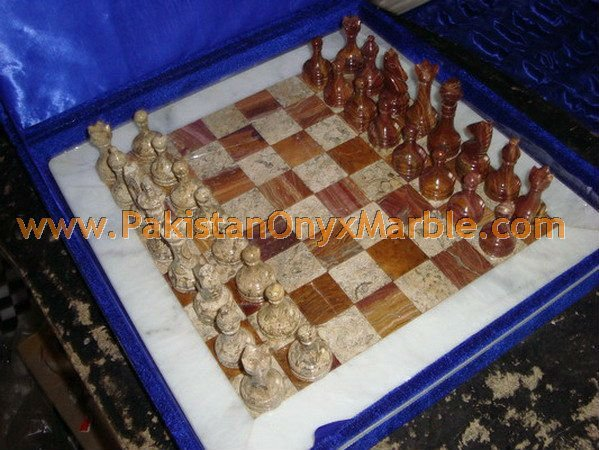 onyx-chess-boards-set-checkers-red-onyx-green-onyx-white-onyx-figures-14.jpg