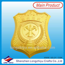 Resin trophy figurines cheap custom metal sport medal and trophy
