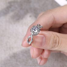2017 Fashion pave setting crystal engagement ring wedding band ring for women RNL019