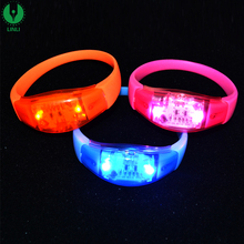2017 Hot Voice Running LED Light Up Concert Glow Wristband, Cheap Silicone Event Bracelet