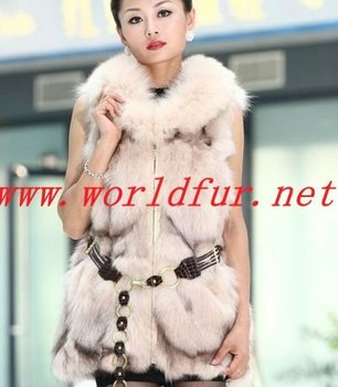 BY-HN-G034 Fashion Waistcoat for Women, cream colored fox fur